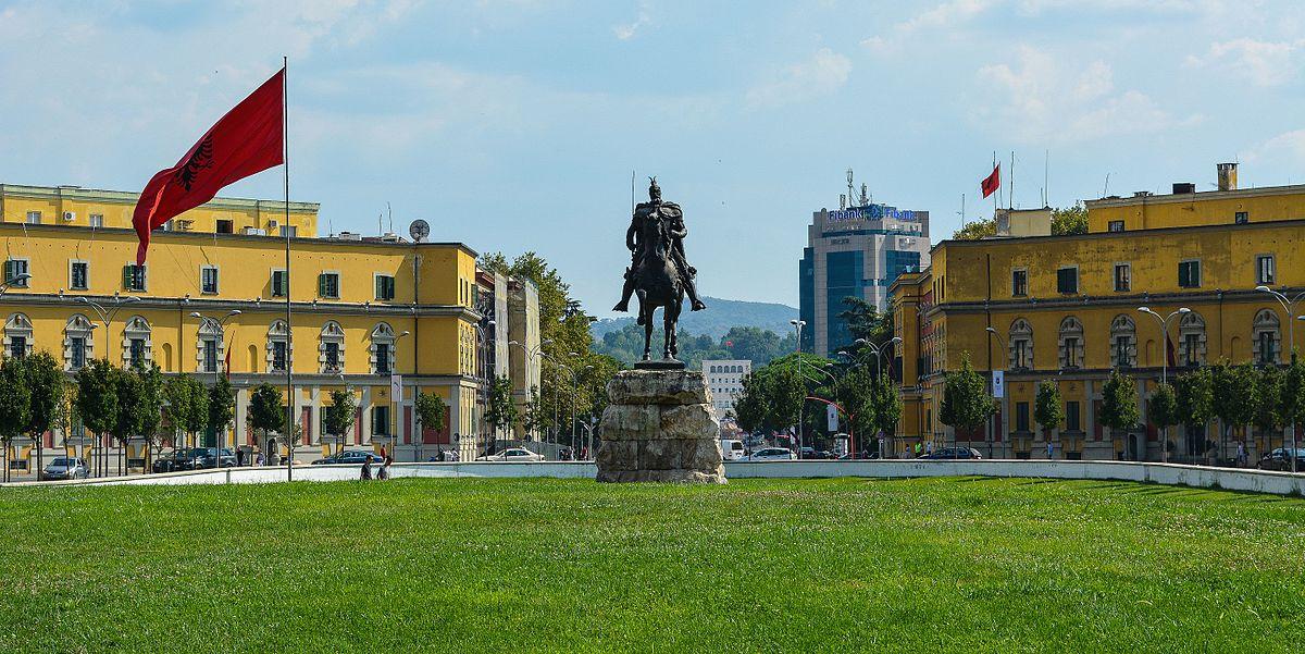thành phố Tirana